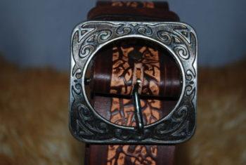 ceinture chocolat et motif arbre