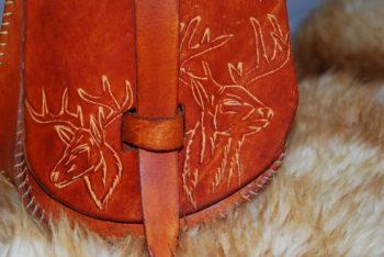 escarcelle cerfs de chasse